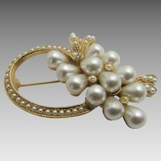 Vintage Art Goldtone Pin With Faux Seed Pearls and Faux Large Pearls Accents