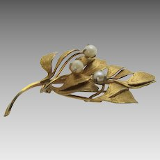 Vintage Hobe 12 Karat Gold Filled Pin With Three Cultured Pearls