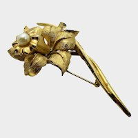 Vintage Brush Goldtone Boucher Flower Pin With Cultured Pearl