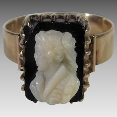 14 Karat Yellow Gold Black Cameo Ring Of a Young Girl