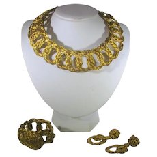 Vintage Unusual Twisted Goldtone Wire Set With  Matching Choker, Bracelet and Clip on Earrings