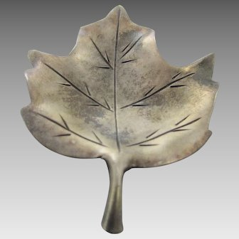 Sterling Silver Leaf Pin in Vintage Patina