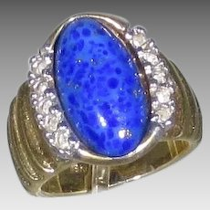 18 Karat Yellow Gold Lapis Lazuli Ring With Diamonds On Each Side