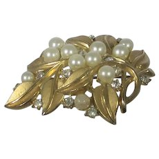 Vintage Crown Trifari Goldtone Flower Pin With Pearls and Clear Crystal Accents