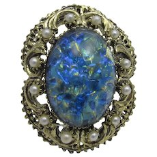 Vintage Pin With Art Glass Center and Faux Pearl Surround