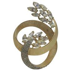 Vintage Crown Trifari Brushed Goldtone Pin In Floral Sweep