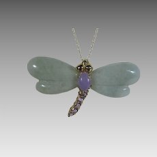 10 Karat Yellow Gold Jadite Amethyst Dragonfly Pendant on 10 Karat Chain