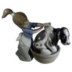 LLadro Bashful Bathing Girl With Dog #5455