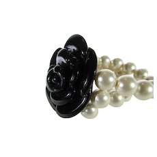 Vintage Faux Stretch Pearls and Black Lucite Camellia