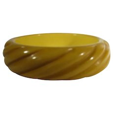 Bakelite Carved Butterscotch Bangle