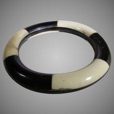 Bakelite Laminated Black and Ivory Color Geometric Bangle
