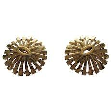 Vintage Crown Trifari Goldtone Textured Clip On Round Earrings