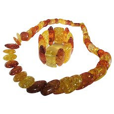 Fabulous Clarified Amber Matching Necklace and Stretch Bracelet Set