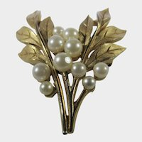 Vintage Crown Trifari Brushed Goldtone Leaf Pin With Faux Pearls