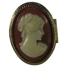 Vintage Avon Costume Cameo Ring With Flip Up Solid Perfume
