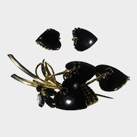 Vendome Pin and Matching Clip Earrings Set in Heart Shaped Black and Goldtone