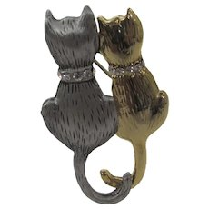 "Pair of Cats ""Good Friends"" in Goldtone and Silver Tone With Rhinestone Collar"