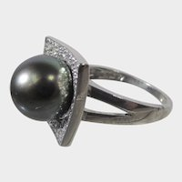 14 Karat White Gold Tahitian Black Pearl With Diamonds