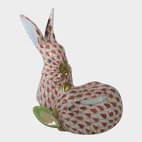 Herend Rust Fishnet Pair of Rabbits With Corn