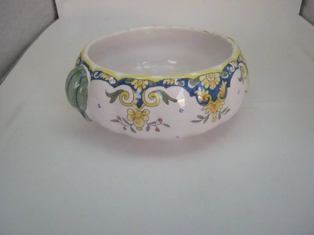 Vintage mont st michel faience bowl with gourd handles for Faience cuisine style retro