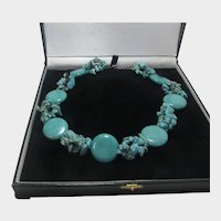 Hwolite Chunky Necklace with Unique Design