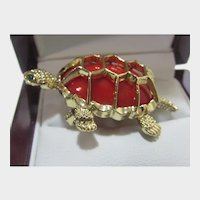 VIntage Gerry's Gold Tone Turtle Pin With Red Lucite Body