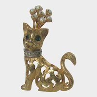 Vintage Jeanne Gold Tone Cat With Rhinestone Pin