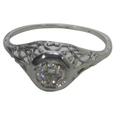18 Karat Deco White Gold Diamond Ring
