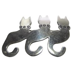 Sterling Silver Trio Of Cats Sitting Tail Swinging
