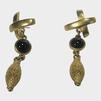 RARE Vintage Signed Classiques Entier Goldtone Earrings With Faux Onyx for Pierced Ears