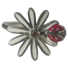 Sterling Silver Daisy Ring with A Ladybug
