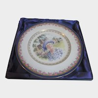Portrait Plate Of Queen Mother of Elizabeth II in Presentation Box by Royal Doulton