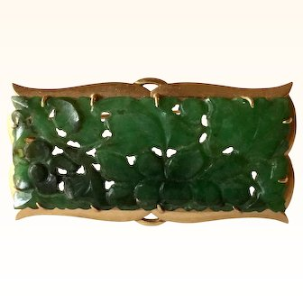 Vintage 14k Yellow Gold Carved Green Jade Brooch Pin