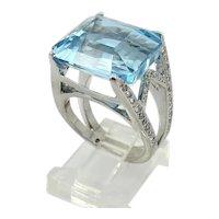 18kt. White Gold Aquamarine and Diamond Ring