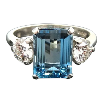 Platinum Diamond Aquamarine Ring Beautiful color