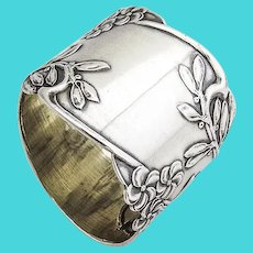 Art Nouveau Floral Figural Napkin Ring Russian 84 Standard Silver 1910s