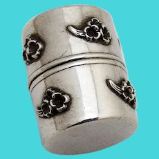 Applied Daisy Thread Holder Sterling Silver 1900