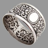 Floral Repousse Napkin Ring Applied Rims 800 Silver 1900