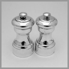 Pepper Grinders Pair Sterling Silver Exterior