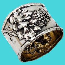 Repousse Grape Napkin Ring Watrous Sterling Silver No mono