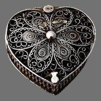 Filigree Heart Form Box 800 Silver
