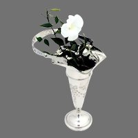 Bright Cut Floral Trumpet Vase Swing Handle Sterling Silver Mono VCG