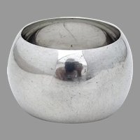English Round Convex Napkin Ring Walker Hall Sterling Silver 1938