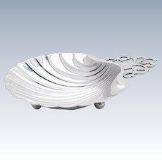 Colonial Revival Shell Dish Key Hole Handle Ball Feet International Sterling Silver 1940