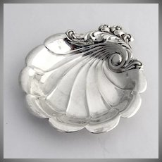 Lunt Eloquence Butter Pat Nut Dish 1953 Sterling Silver