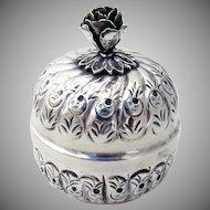Floral Round Dresser Box 800 Silver 1920