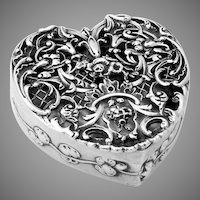Ornate Openwork Heart Form Box Sterling Silver William Comyns 1911