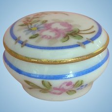Limoges - Wonderful Handpainted Miniature Box for your Doll's House ca. 1900