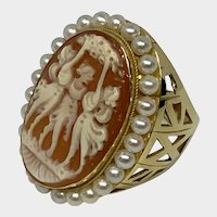 Magnificent Three Graces Shell Cameo 18K Gold and Pearl Ring, size 7.75