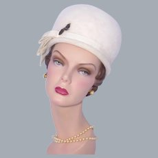Vintage 1960s Bubble Toque Hat Winter White Wool Felt Woodward & Lothrop
